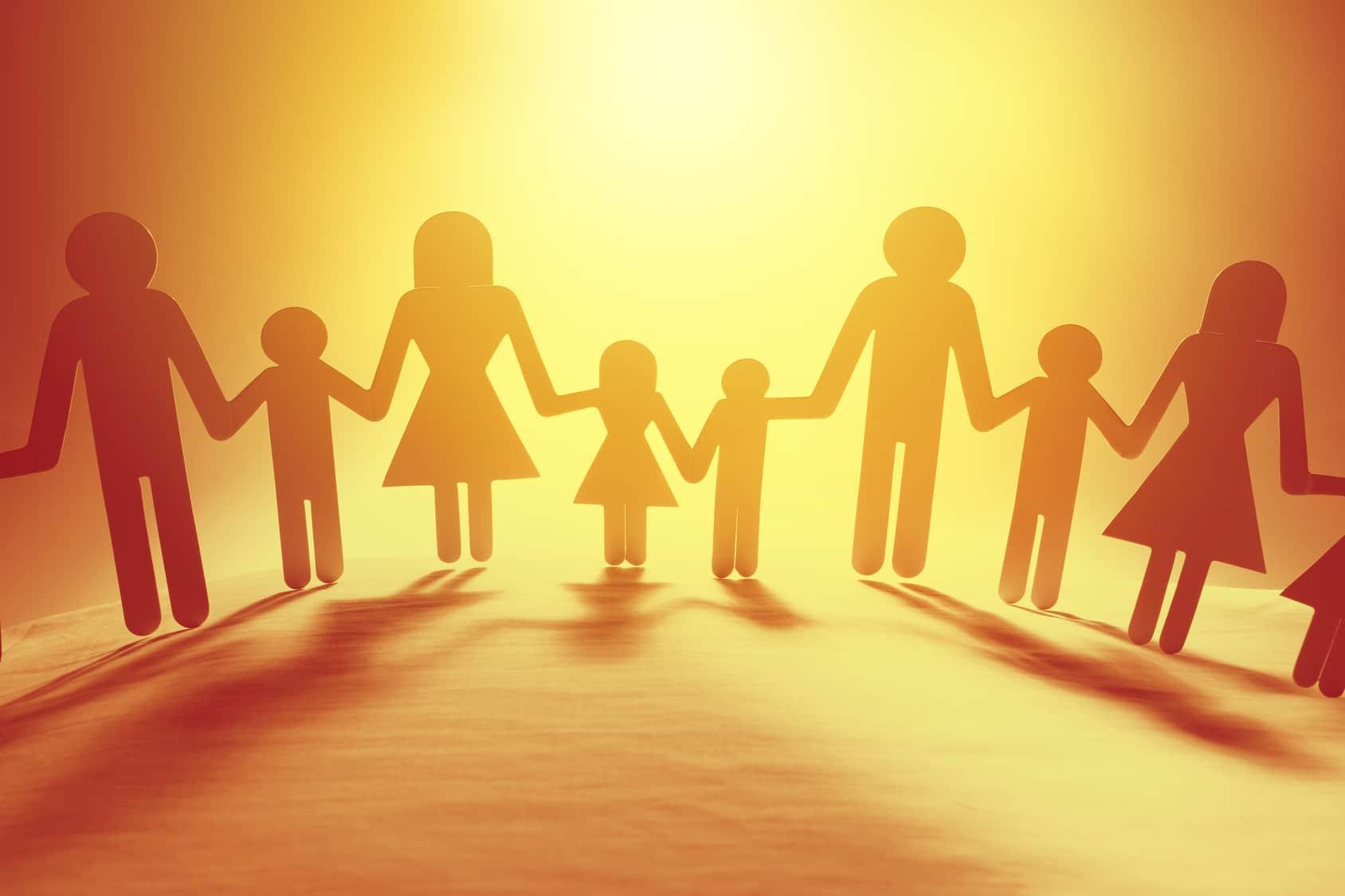 Escolas eliminam Dia das Mães do calendário em respeito aos novos formatos das famílias