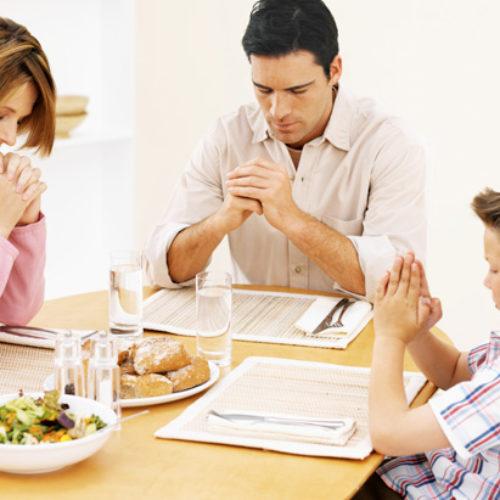 A oração não purifica os alimentos – 1 Timóteo 4:1-5