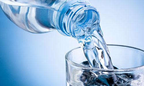Benefícios da ingestão regular de água