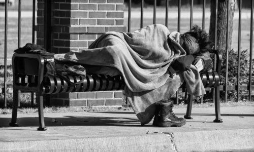 O que a Bíblia diz sobre o pobre?