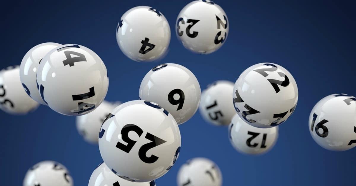 É correto jogar na loteria?