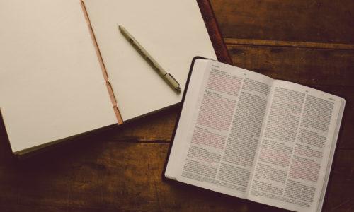 Como estudar o contexto histórico da Bíblia
