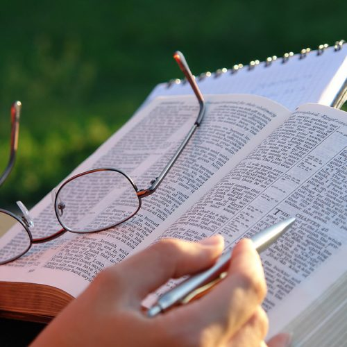 Conceitos de direita e esquerda estão em desarmonia com a cosmovisão bíblica