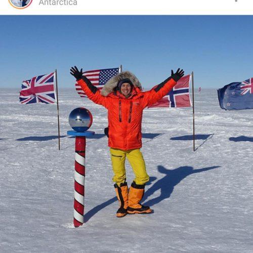 Americano se torna 1º homem a cruzar a Antártida a pé, sozinho e sem ajuda