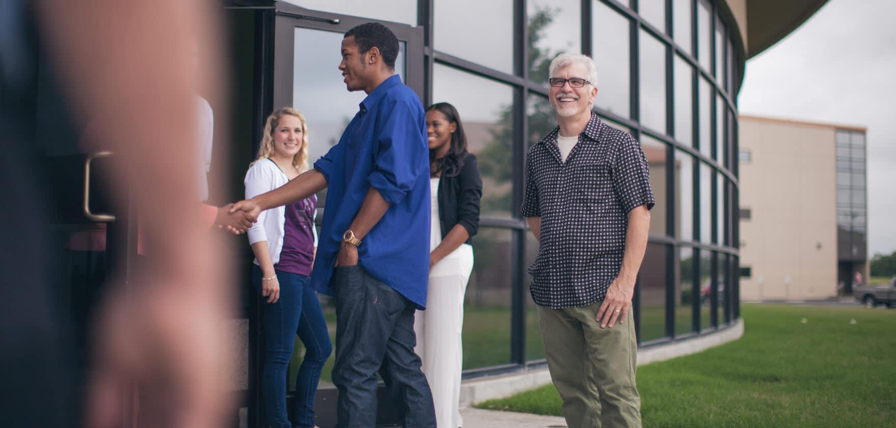 Evitando Erros Comuns na recepção de visitantes na Igreja