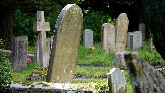 Há contradição entre Eclesiastes 9:5-6 e 10, 2 Coríntios 5:8 e Filipenses 1:23 sobre o estado dos mortos?