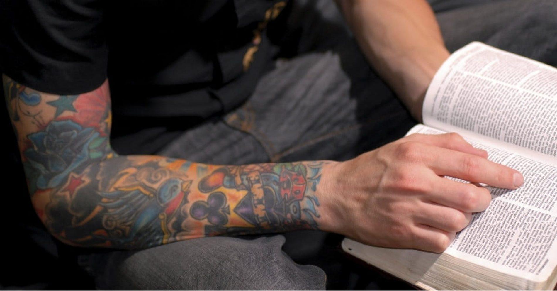 a Bíblia fala sobre a tatuagem?