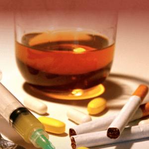 Especialistas afirmam que álcool é porta de entrada dos jovens para as drogas